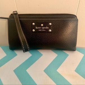 Kate Spade-Wellesley Layton Wristlet Wallet-Black